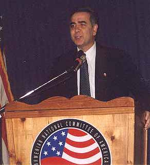 California Courier Publisher Harut Sassounian speaking at a 2002 ANC event